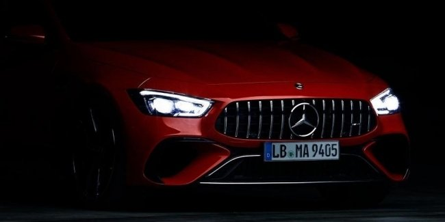 Superliftback Mercedes-AMG for the first time appeared without camouflage