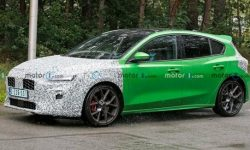 The first photos of the updated Ford Focus