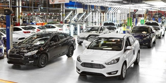 How much has the chip shortage hit the auto industry?