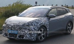 The Network got spy shots of the electric crossover Cupra Tavascan 2024 in the back of the VW ID.4