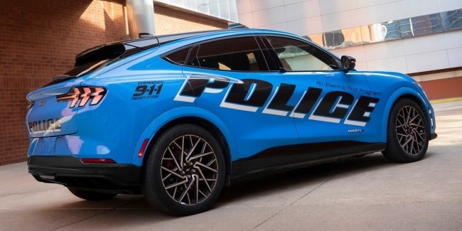 U.S. police will test a new patrol car based on the Ford Mustang Mach-E
