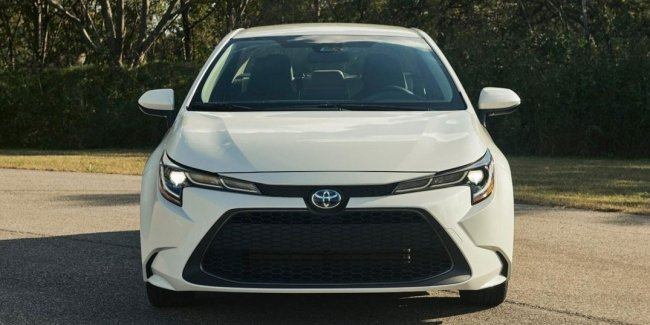 Toyota conducts a large-scale recall of hybrids