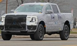 The new Ford Ranger changed into lighter camouflage