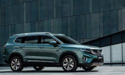 In China, sales of the new version of Geely Haoyue began